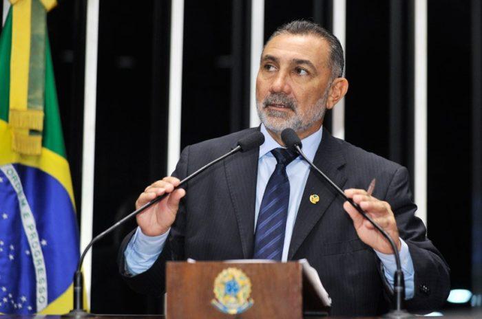 fim do impoto de renda sobre 13 salario e ferias senador Telmário Mota Foto Waldemir Barreto Agência Senado