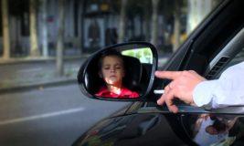Fumar em automóveis com crianças poderá gerar multa